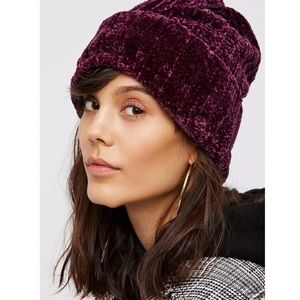 Free People Huggy bear chenille beanie wine